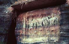 Rocher de Diane - Dianabild  Rocher sculpté gallo-romain, Roppeviller, Moselle