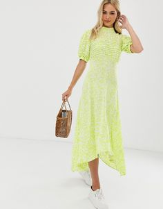 Shop Ghost jenna crepe hanky hem floral midi dress at ASOS. What To Wear To A Wedding, How To Wear, Boho Fashion, Fashion Dresses, Asos, Floral Midi Dress, Discount Shopping, Mi Long, Latest Trends