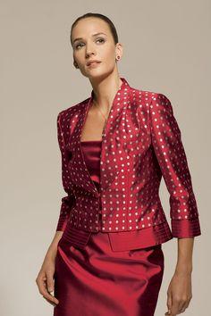 tailleur in shantung: gonna a tubino, giacca fantasia con collo railzato