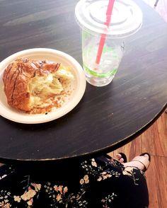 Moving and shaking #starttomyday #movingandshaking #girlboss #meeting #mcoffee #valleygirl #blogginggal #bloggerlife #prgal #sportsinista #sportsblogger #styleblogger #lifestyle #fashion #teatime #foodie #morningtea #morningmotivation #allabouttea #obsessed #yesplease