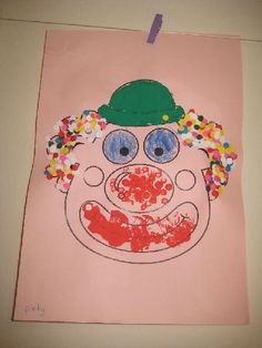 Clown met confetti haar