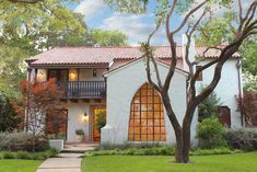 Behold the 10 Most Beautiful Homes in Dallas, including this gem at 6955 Lakewood Blvd. Just, please, don& covet thy neighbor& house too much. Spanish Exterior, Spanish Colonial Homes, Spanish Style Homes, Spanish Revival, Spanish House, Spanish Bungalow, Revival Architecture, Spanish Architecture, House Architecture
