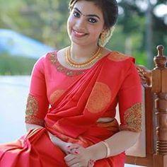 Wedding Saree Blouse Designs, Pattu Saree Blouse Designs, Fancy Blouse Designs, Blouse Neck Designs, South Indian Bride Saree, Kerala Bride, Sumo, Sleeves Designs For Dresses, Stylish Blouse Design