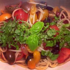 Warm pasta salad - Lauwarmer Spaghetti-Salat