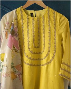 Dress Outfit Work Blouses For bead use Sleeves Designs For Dresses, Neck Designs For Suits, Dress Neck Designs, Blouse Designs, Simple Pakistani Dresses, Pakistani Fashion Casual, Pakistani Dress Design, Kurti Embroidery Design, Embroidery Suits