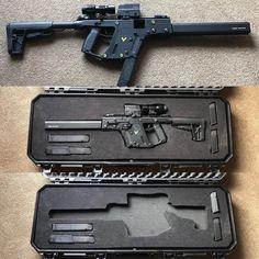 Plano case for my Kriss Vector Military Deployment, Military Guns, Weapons Guns, Airsoft Guns, Kriss Vector, Anime Gangster, Tactical Shotgun, Arms Race, Shark Swimming