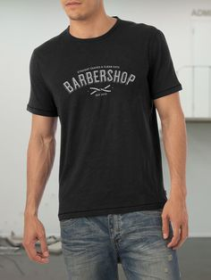 The Barbershop is a non-profit project made just for fun. It was inspired in traditional barbershops found in the US.