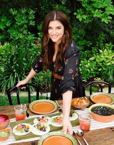 Tiffani Amber Thiessen's Secret Roasting Hack and Her Favorite Baking Ingredient Ever (Plus, a Recipe! Chef Recipes, Cookbook Recipes, Italian Recipes, Tiffani Amber Thiessen Hair, Tiffany Amber, Breakfast At Tiffanys, New Cookbooks, Thanksgiving Desserts, Learn To Cook