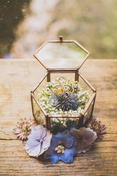 """Shooting d'inspiration mariage """"French road trip"""" - Jewelry Perfect Wedding, Dream Wedding, Wedding Day, Ring Holder Wedding, Wedding Rings, Boho Wedding Ring, Wedding Fotografie, Wedding Preparation, Wedding Boxes"""
