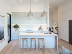 With tiling, plumbing, electricals and often intricate stone cutting for bench tops, it should go without saying that undergoing a kitchen renovation is a minefield.