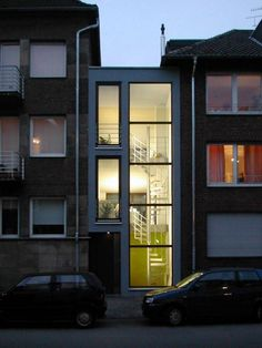 Narrow House Designs, Modern Townhouse, Urban Loft, Japanese House, Cabin Homes, Civil Engineering, Modern Exterior, Architecture, Bungalow