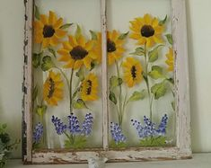 Old painted window,window pane art,floral painted window,sunflower poppy window,… – farmhouse decor diy craft ideas Old Windows Painted, Antique Windows, Vintage Windows, Vintage Doors, Antique Doors, Painting On Windows, Window Pane Art, Old Window Frames, Old Window Art