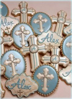First Communion Cookies Cross Cookies, Fancy Cookies, Iced Cookies, Easter Cookies, Cupcake Cookies, Boys First Communion, First Communion Cakes, Christening Cookies, Bolacha Cookies