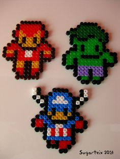 Super héroes en hama midi como imanes. Si te gusta puedes adquirirlo en nuestra tienda on-line: http://www.mistertrufa.net/sugarshop/ Ver más en: http://mistertrufa.net/librecreacion/groups/hama-beads/