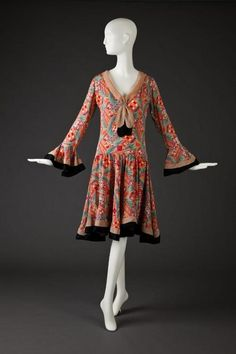 Dress The Goldstein Museum of Design - the skirt looks so swingy! 1930s Fashion, Art Deco Fashion, Retro Fashion, Vintage Fashion, Fashion Design, Victorian Fashion, Fashion Fashion, Winter Fashion, Fashion Tips