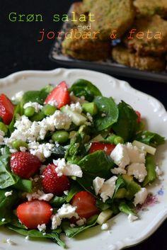 Til de grønne falafler med ærter og persillevi fik den anden dag fik vi denne skønne salat med en masse grønt, jordbær og feta. Salatdronningen Maria (vanloseblues.blogspot.com), kom på instagram med lidt ideer til en spinatsalat. Jeg valgte at plukke lidt af hvert fra de ideer hun kom med ud fra hvad vi lige havde...Read More »