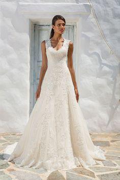 7845bc72bc Justin Alexander - Style 8822  Queen Anne Neckline Lace A-Line Bridal Gown  Wedding