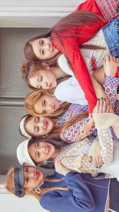 K Pop, South Korean Girls, Korean Girl Groups, Group Poses, Pretty Asian, Cube Entertainment, Soyeon, Girl Bands, First Girl