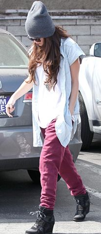 Selena Gomez in a grunge outfit (maybe if I went with an oversized black shirt instead of a white one.....?)