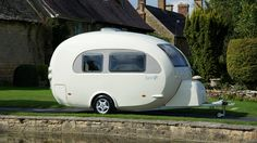<3 <3 Soooo CooooL! Shell on wheels: This egg-shaped camper wraps modern comforts in retro style! <3 <3
