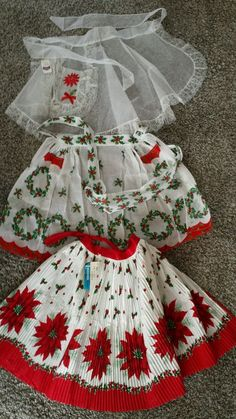 VINTAGE CHRISTMAS HOLIDAY APRONS LOT OF 3 | eBay