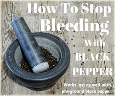 Find out how to use ground black pepper to stop bleeding. Add a small, cheap pepper shaker to you first aid or survival kit. Survival Life Hacks, Survival Prepping, Survival Skills, Survival Gear, Emergency Preparation, Emergency Kits, Emergency Medicine, Emergency Supplies, Camping Survival
