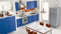 I'm reallllly wanting to paint my cabinets blue! ~Sarah