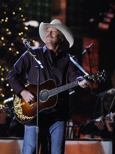 Alan Jackson brings 25th anniversary tour to Nashville #AlanJackson #AJ25 #KeepinItCountry #Nashville