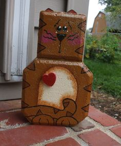 painted brick door stops Painted Bricks Crafts, Brick Crafts, Painted Pavers, Concrete Crafts, Stone Crafts, Concrete Pavers, Painting Concrete, Rock Painting, Cat Crafts