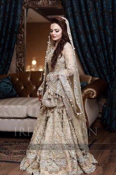 Pakistani Bridal Makeup, Bridal Eye Makeup, Pakistani Wedding Dresses, Beautiful Bridal Dresses, Beautiful Bride, Nice Dresses, Awesome Dresses, Pakistani Frocks, Pakistani Couture
