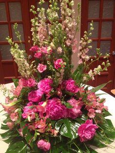 Floral Wreath, Wreaths, Plants, Pink, Home Decor, Homemade Home Decor, Door Wreaths, Flora, Deco Mesh Wreaths