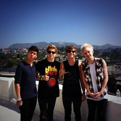 """""""Being tourists this morning :p HOLLYWOOD BABYYYYY """"- ash x"""