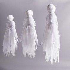 Grandin Road Holding Hands Ghosts