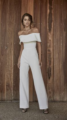 Trendy Wedding Dresses For Contemporary Bride Trendy Wedding Dresses 2018 For Contemporary Bride ❤ trendy wedding dresses punsuit straight neckline simple chosen by one day ❤ Full gallery: weddingdressesgui… Wedding Reception Outfit, Fairy Wedding Dress, Wedding Dresses 2018, Casual Wedding, Trendy Wedding, Wedding Ceremony, Wedding Jumpsuit, Jumpsuit Dress, White Jumpsuit