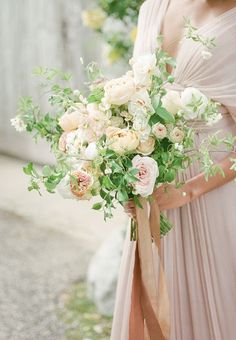 20 Drop-Dead Gorgeous Wedding Bouquets - MODwedding