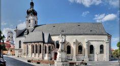 Booking.com: Hotel Konferencia , Győr, Mo. - 494 Vendégértékelések . Foglalja le szállását most! Notre Dame, Mansions, House Styles, Building, Home, Manor Houses, Villas, Buildings, Ad Home