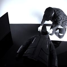 Distorted People Behind the Scenes : preparing our ''Son of Samurai'' winter parka for a photoshooting