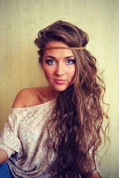 26 Cute Haircuts For Long Hair - Hairstyles Ideas - PoPular Haircuts I love her hair style😍 Haircuts For Long Hair, Long Hair Cuts, Long Hair Styles, Teenage Hairstyles, Layered Haircuts, Med Curly Hair Styles, Hippy Hair Styles, Straight Hair, Trendy Haircuts