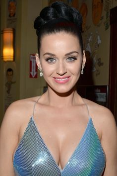 Pretty Celebrities Photos: Katy Perry at Sony Music Entertainment's Grammy After Party in Los Angeles Beautiful Celebrities, Beautiful Women, Young Celebrities, Katy Perry Fotos, Katy Perry Pictures, Celebs, Lady, Boobs, Brunettes