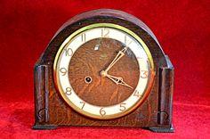 111) Vintage Smiths Enfield oak mantel clock with original pendulum and key