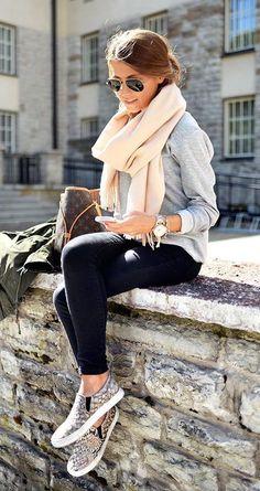 Olá querido(a) leitor(a), tudo bem com vc? Hoje trouxe muitas diquinhas bem legais pra aprender se vestir nesse inverno e ficar quentinha se...