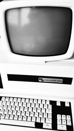 Micral 80-22G R2E Fog Computing, Box Tv, Monitor, Electronics, Consumer Electronics