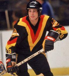 Rick Vaive (1979-80) Olympic Hockey, Women's Hockey, Ice Hockey Teams, Hockey Games, Canada Hockey, Goalie Mask, Good Old Times, Vancouver Canucks, Nfl Fans