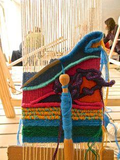 900 Weaving And Macrame Ideas Weaving Loom Weaving Tapestry Weaving