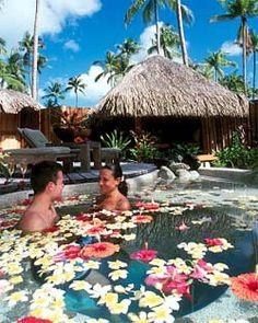 Tahiti private plunge pool