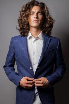 The 15 Most-Popular Ivy League Haircut Ideas for Men - Style My Hairs Long Curly Hair Men, Big Hair, Men With Long Hair, Mens Medium Length Hairstyles, Trendy Hairstyles, Boy Hairstyles, Wedding Hairstyles, Hair And Beard Styles, Curly Hair Styles