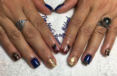 Short & fun 🎉 #thenailsroom #uñas #uñasacrilicas #uñasdecoradas #relieve #nails #shortnails #acrylic #acrylicnails #ombrenails #bluenails #3dnailart #flowers #crystals #dainty #yn #youngnailsacrylic #youngnailsinc #youngnailscoverpink #nailpromote #nailpro #nailpromagazine #nailprodigy #nailmagazine #pretty #prettynails #sculptednails #customnails #foil #goldnails #glitter #glitternails #NAILDIT💅