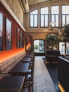 Billiani per i Restaurant & Bar Design Awards 2019 Cafe Interior Design, Interior And Exterior, Cafe Restaurant, Restaurant Design, Sport Bar Design, Bar Design Awards, Chill, Asian Restaurants, Cool Bars