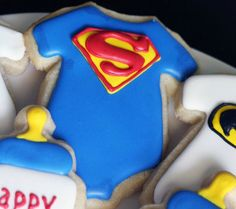 Love this for a Superman baby shower. or a birthday party! Baby Boy Cookies, Onesie Cookies, Baby Shower Cookies, Cute Cookies, Galletas Decoradas Baby Shower, Galletas Cookies, Iced Cookies, Sugar Cookies, Superman Baby Shower