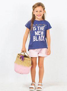 Camiseta azul con puntos blancos, ¡divertida y cómoda!